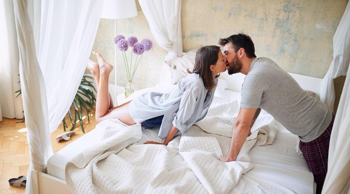 Утренний секс: что происходит там, где он есть?