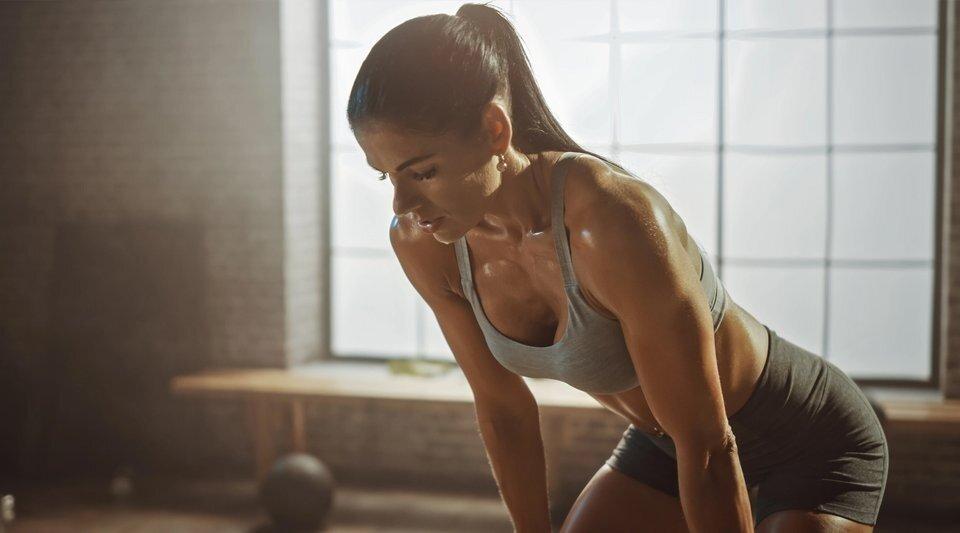 Как занятия спортом влияют на форму женской груди?
